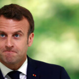 Der er meget på spil for den franske præsident, Emmanuel Macron, ved valget til Europa-Parlamentet. I nogle målinger er han nu bagud i forhold højrefløjslederen, Marine Le Pen. Macron har længe forsøgt at få en ny stærk liberal gruppe på plads inden valget. Han tog et vigtig skridt lørdag, men der er fortsat langt igen.