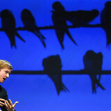Chris Hughes var med til at grundlægge Facebook for 15 år siden. Nu advarer han om, at hans gamle kompagnon Mark Zuckerberg har fået for meget magt.