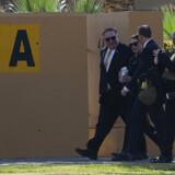 FILE PHOTO: Den amerikanske udenrigsminister Mike Pompeo og hans kone Susan ses her i Irak under et tidligere besøg. USA frygter nu et terrorangreb mod soldater i Irak. Andrew Caballero-Reynolds/Pool via REUTERS/File Photo