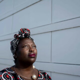 Talsmand for Black Lives Matter Denmark Bwalya Sørensen har i årevis følt sig chikaneret af partileder Rasmus Paludan. Nu er hun udstyret med overfaldsalarm.