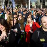 Peoples Vote arrangerede i marts i London en af de største demonstrationer nogensinde til fordel for en ny EU-folkeafstemning. Den EU-positive bevægelse mener, at flere og flere politikere bakker op om kravet.