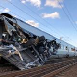 Den løsrevne traileren fra godstoget bragede ind i IC4-toget på Vestbroen over Storebælt. Traileren var tæt på at ramme lokoføreren. Otte andre mistede livet, da den løsrevne vogn flænsede venstre side af IC4-toget op.