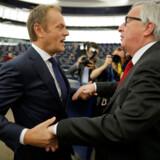Mændende på billedet er magtfulde skikkelser i EU. Men hvem er det nu, det er?