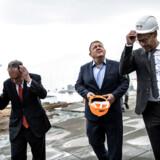 Statsminister Lars Løkke Rasmussen (V) besøger Amager Ressourcecenter, bedre kendt som Amager Bakke, sammen med New Yorks tidligere borgmester og FNs generalsekretærs særlige udsending på klimaområdet, Michael R. Bloomberg (t.v.).