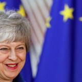 Den britiske premierminister Theresa May lovede at trække Storbritannien ud af EU og gennemføre Brexit. Nu er hun nødsaget til at stå i spidsen for den britisk afstemning til Europa-Parlamentet, som hun af al magt har forsøgt at undgå. Derefter kan hun blive nødt til at finde en britisk kandidat til den nye EU-kommission.