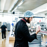 OECD mener, at lavere skat på den sidst tjente krone kan være med til at fremme innovationen og iværksætteriet i Danmark som her på Johan Bülows lakridsfabrik.
