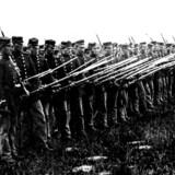 Danske soldater med bajonetter på klar til kamp under krigen i Slesvig