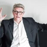 SFs medlem af Folketinget, Karsten Hønge, stiller de kommende uger op til to valg. Det kan ende som et dilemma for SFs ledelse.