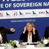 Dansk Folkeparti indgår i en alliance med flere EU-kritiske partier, bl.a. det skandaleramte FPÖ fra Østrig. Her ses DFs spidskandidat til EU-valget, Anders Vistisen, sammen med estiske Jaak Madison og franske Marine Le Pen.