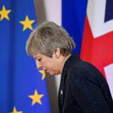 Theresa May ville være premierminister, hun var mindre end opgaven, og nu er hun færdig. Men hvordan er hun færdig og hvornår?