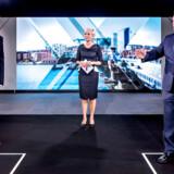 Statsminister Lars Løkke Rasmussen (V) og Mette Frederiksen (S) mødtes søndag i en TV-duel i forbindelse med et valgfolkemøde hos TV 2 i Odense.