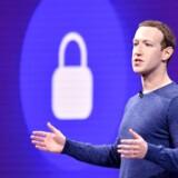 Facebook-topchef Mark Zuckerberg har bl.a. holdt møde med den britiske nationalbank forud for lanceringen af Facebooks egen, digitale valuta, som skal holde på brugerne og give Facebooks endnu flere værdifulde oplysninger om dem. Arkivfoto: Josh Edelson, AFP/Ritzau Scanpix