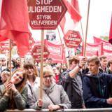 »Med finanspagten har vi bundet de enkelte medlemslande, så de ikke kan føre en finanspolitik, der stimulerer beskæftigelsen. Det så vi konsekvenserne af under krisen for ti år siden,« siger Lars Andersen. 1. maj 2019 i Fælledparken.