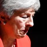 Theresa May holdt følelserne tilbage i næsten tre år i embedet. Til sidst kunne hun ikke mere...