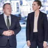 »Statsminister Lars Løkke Rasmussen, Venstres formand, vil bruge alle pengene. Det har han lovet (...) Socialdemokratiets formand, Mette Frederiksen, vil bruge endnu flere penge, står der i partiets valgmateriale.«