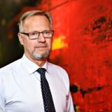 Jyske banks topchef, Anders Dam, smider iværksætterkunder uden revisor på porten. De små selskaber begår for mange mistænkelige transaktioner.
