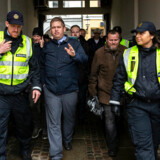 I årevis har Paludan udøvet noget, der af politifolk opfattes som systematisk chikane mod danske betjente og politianklagere. I mindst 81 tilfælde har Rasmus Paludan bedt om aktindsigt i politiansattes personalemapper, viser oversigter, som Rigspolitiet har udleveret til Berlingske. Her er Paludan under politibeskyttelse på vej mod tivolipladsen under Tulipanfesten i Ribe, 17. maj.