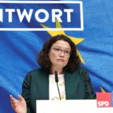 Søndag aften var en historisk dårlig aften for ikke mindst det tyske regeringsparti, SPD. Andrea Nahles SPD er for første gang kun det tredjestørste parti i Tyskland. Partiet står også for første gang siden 1949 til at tabe højborgen, Bremen, hvor der også søndag var valg. Det andet regeringsparti, CDU/CSU gik ligeledes markant tilbage.