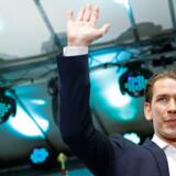 Østrigs konservative parti, ÖVP, fik markant fremgang ved europaparlamentsvalget. Men dette betyder ikke nødvendigvis, at partiets kansler, Sebastian Kurz, står til at blive reddet ved mistillidsafstemningen mod ham senere på ugen.