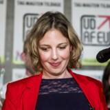 Rina Ronja Kari ankommer til valgfesten hos Folkebevægelsen mod EU i København søndag aften. En fest, der nok bød på mange personlige stemmer til hende, men også bød på et farvel til Europa-Parlamentet for bevægelsen.