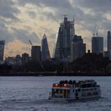 Themsen i London, som anses for at være en af Europas reneste floder, er forurenet med antibiotika. Det viser en global undersøgelse af flodernes tilstand. Flere steder i Themsen er niveauet farligt højt.