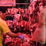 Mens vi herhjemme endnu ikke har mærket så meget til svinepesten i butikkerne, er situationen helt anderledes i Asien. Stigende fødevarepriser er en alvorlig trussel for den sociale stabilitet.