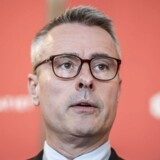 Henrik Sass Larsen ved et af sine sjældne møder med pressen under folketingsvalget: Han var 20. maj med til at præsentere Socialdemokratiets økonomiske plan. Efter pressemødet afviste han at lade sig interviewe yderligere af journalister.