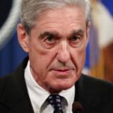 Robert Mueller afsluttede sine to år som særlig undersøger ved at oplæse en ti minutter lang erklæring. Og understregede at han ikke havde mere at tilføje, eftersom alt stod i hans rapport. REUTERS/Jim Bourg TPX IMAGES OF THE DAY