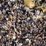 »Kvarterets gader kan ikke længere rumme det, der må svare til Nordeuropas største provinsdiskotek, hvis det skal foregå på denne måde,« siger den lokale beboer, Sebastian Lynggaard, der har oplevet mange år med festivalen. Billedet er fra Nørrebrogade onsdag 29. maj 2019