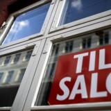 Priserne på ejerlejligheder i hovedstaden dykkede med 2,1 procent i marts i forhold til samme måned sidste år. På landsplan dykkede priserne på ejerlejlighederne også med 2,1 pct.