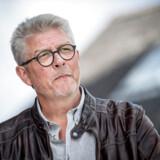 Karsten Hønge har med rette været udsat for hård kritik, efter at han blev valgt til Europa-Parlamentet og derefter meddelte, at han ikke ville rejse til Bruxelles.