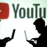 YouTubes automatiske anbefalingssystem, som driver de fleste af platformens milliarder af visninger ved at foreslå, hvad brugerne skal se som det næste, har anbefalet videoer af letpåklædte børn til brugere, der så andre videoer af præpubertære, delvist påklædte børn.