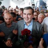 Mikheil Saakashvili ankommer til lufthavnen i Kiev efter at have været i tvunget eksil i over et år.