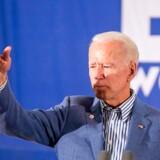 Joe Biden er tidligere vicepræsident og stiller nu op til præsidentposten for Demokraterne. Han er indtil videre den mest populære præsidentkandidat blandt de mange Demokrater, der er stillet op.