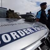 Der er mangel på nationale grænsevagter - og EUs plan for en styrkelse af den fælles eksterne grænsekontrol i Frontex er udsat til 2027. Det er konklusionen efter at EUs agentur Frontex søndag meddelte, at medlemsstaterne ikke har afsat det antal grænsevagter, som de ellers har meldt ind. Bevogtningen af EUs grænser sker i et samarbejde mellem de nationale myndigheder og Frontex. Frontex er f.eks. i aktion ved grænsen mellem Bulgarien og Tyrkiet.