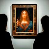 Kunstsitet Artnet skriver mandag, at maleriet »Salvator Mundi«, som tilskrives Leonardo da Vinci, befinder sig på en superyacht ejet af den saudiske kronprins.