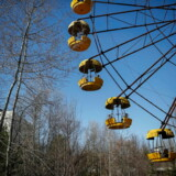 Det er blevet populært for turister at tage til Tjernobyl. Interessen for at besøge zonen, hvor alt står, som det blev efterladt dengang tilbage i 1986. Her er det pariserhjulet i Pripyat.