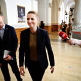 Mette Frederiksen og Nicolai Wammen fra Socialdemokratiet ankommer til regeringsforhandlingerne på Christiansborg onsdag den 12. juni 2019. Foto: Philip Davali/Ritzau Scanpix