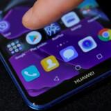Det amerikanske forbud fra august vil ramme Huawei, der ikke længere kan bruge Googles software og Googles mange nettjenester på sine telefoner, som er verdens næstbedst sælgende mobilmærke. Arkivfoto: Marko Djurica, Reuters/Ritzau Scanpix