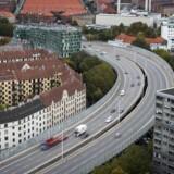 Politkere på Frederiksberg og i Københavns Kommune er ved at se på tre scenarier, der kan erstatte Bispeengbuen, såfremt man beslutter at rive den ned.