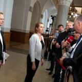 S-formand Mette Frederiksen ankommer til forhandlingerne om en ny regering. Nu bliver hun mødt af nye krav fra en opsigtsvækkende alliance.
