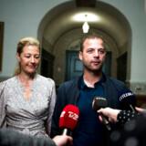 S-formand Mette Frederiksen har slået fast, at hun vil alene i regering. Men SF og Enhedslisten er bekymrede for, at de Radikales leder, Morten Østergaard, vil forsøge at forpurre den plan.