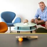 Larz Thielemann behandler børn med autisme på sin klinik i Espergærde og kalder sig »neuropraktiker«, hvilket er en titel, han selv har fundet på.