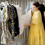 Designer Cecilie Bahnsen bliver aldrig færdig med at lave kjoler – koden til de perfekte bukser har hun endnu ikke knækket.