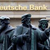 Den nye strategi vil højst sandsynligt resultere i en betydelig reducering af Deutsche Banks amerikanske forretning, fortæller ansatte til Financial Times.