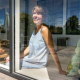 Illustrator og forfatter Line Jensen har boet det sidste år i sit sommerhus på Møn – allerede nu savner hun det rolige liv, for til august venner hun og hendes familie tilbage til lejligheden på Amager.