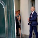 S–formand Mette Frederiksen ankommer på Amalienborg for at meddele dronningen, at der er basis for at danne en socialdemokratisk regering med hende selv i spidsen som statsminister.