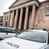 Købenahvns Politi har i en stor internationalt koordineret aktion anholdt 31 personer og beslaglagt 1.650 kilo kokain og heroin alene i Danmark. Et organiseret kriminelt netværk med rødder i Albanien er mistænkt.