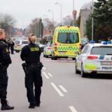 Vestegnens Politi rykkede massivt ud til en adresse i Kongens Lyngby i Gladsaxe Kommune fredag den 22. marts i år. En 42-årig mand har siden siddet varetægtsfængslet, sigtet for drab. Han nægter sig skyldig i drab, men erkender vold med døden til følge.