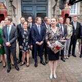 Statsminister Mette Frederiksen præsenterer sin nye S-regering. Ministerholdet kommer på hårdt arbejde.